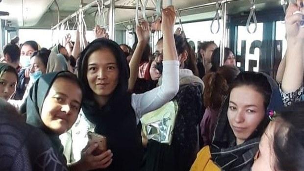 কাবুলে আটকে পড়া বাংলাদেশি বিশ্ববিদ্যালয়ের ১৬০ ছাত্রী মার্কিন সামরিক বিমানে সৌদি পৌঁছেছেন