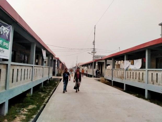 ভাসানচরে স্থানান্তর করা রোহিঙ্গাদের জন্য তহবিল দাবি বাংলাদেশের