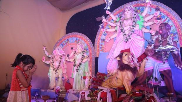 কুমিল্লায় পূজা মণ্ডপে কোরান পাওয়ার ঘটনায় সংঘর্ষ