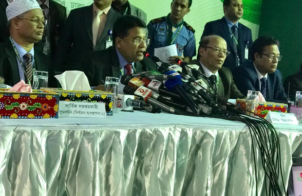 Helal Uddin Ahmad, the secretary of Bangladesh's Election Commission, speaks during a press conference after polls closed in the 11th general election, Dec. 30, 2018. [Kamran Reza Chowdhury/BenarNews]