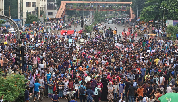 Students gather in Dhaka to join the protests demanding road safety, Aug. 5, 2019. [BenarNews]