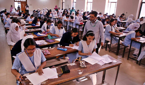 Bangladeshi students take their exams at a high school in Dhaka, Feb. 2, 2019. [BenarNews]