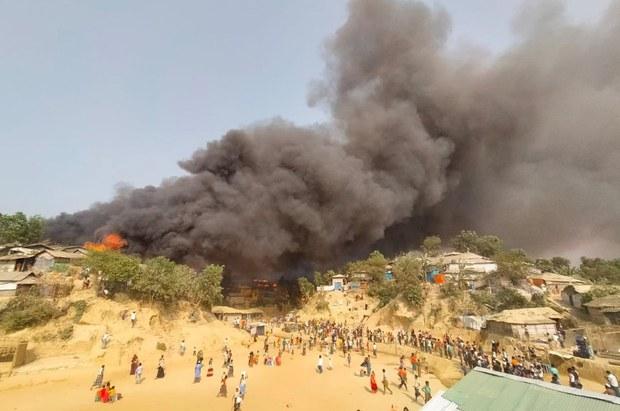 Huge Fire at Bangladesh Rohingya Camp Leaves Thousands Homeless