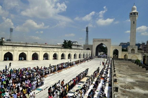 170428-BD-mosque-620.jpg