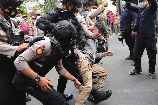 Afghan Refugees in Indonesia Condemn Taliban, Demand Third Country Resettlement