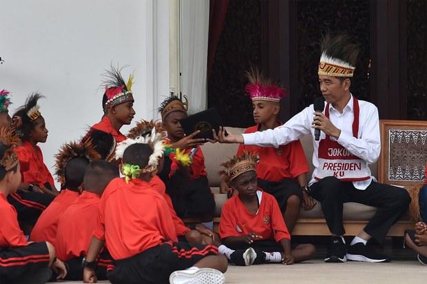 191018_ID_Jokowi_papua_1000.jpg
