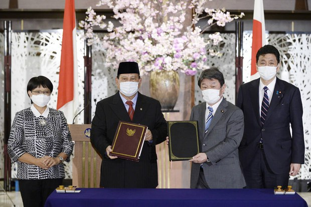 Japan, Indonesia Sign Defense Deal amid Beijing's Maritime Expansionism