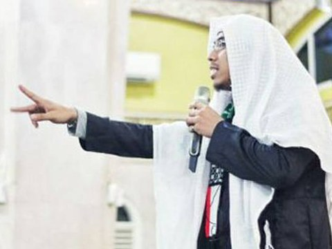 Controversial Islamic preacher Soni Eranata, also known as Maaher At-Thuwailibi, is seen in his Twitter profile picture.
