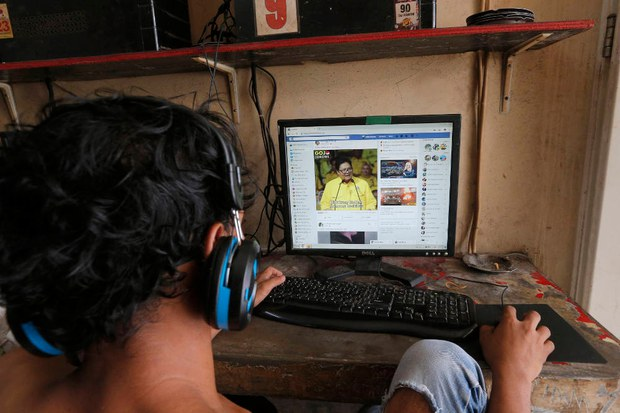 Rights Groups: Indonesia's New Internet Regulation Could Stifle Freedoms