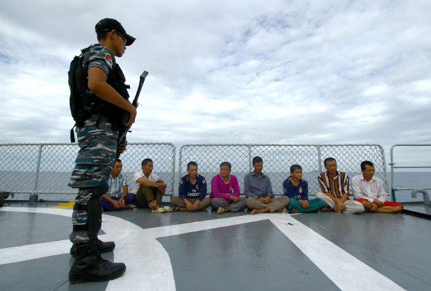 Hundreds of Vietnamese Fishermen Stranded in Indonesia Amid COVID-19 Restrictions
