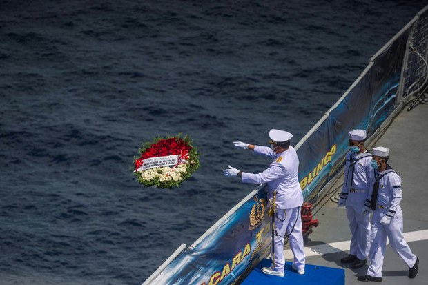 Citing Risks, Indonesia Ends Efforts to Salvage Sunken Submarine's Wreckage