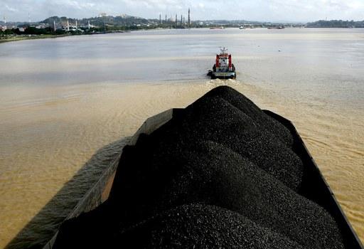 Indo coal barge.JPG