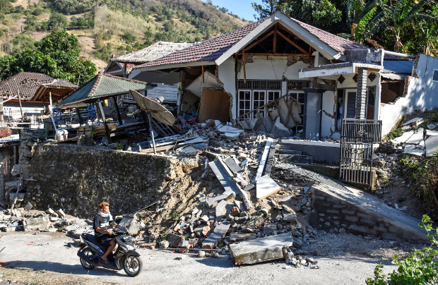 A damaged home is seen after a powerful earthquake struck Pemenang in North Lombok, Indonesia, Aug. 6, 2018. [Antara Foto/Ahmad Subaidi/via Reuters]