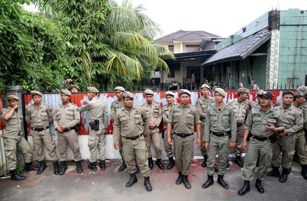 Indonesia: 21 Arrested after Mob Attacks Ahmadiyya Mosque