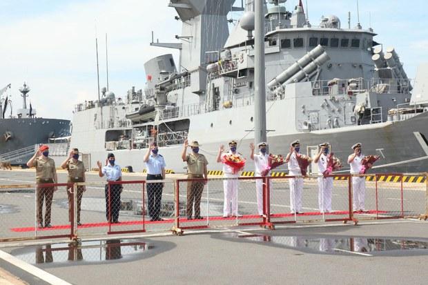 Australian Navy Ships Touring Southeast Asia Make Vietnam Port Call