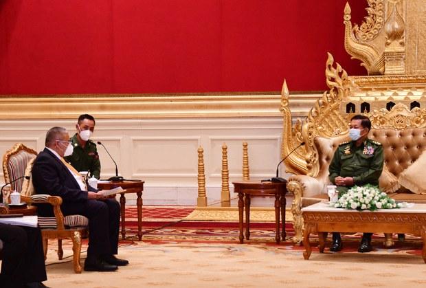 ASEAN Officials Meet Myanmar Junta Chief, Present Names of Envoy Candidates