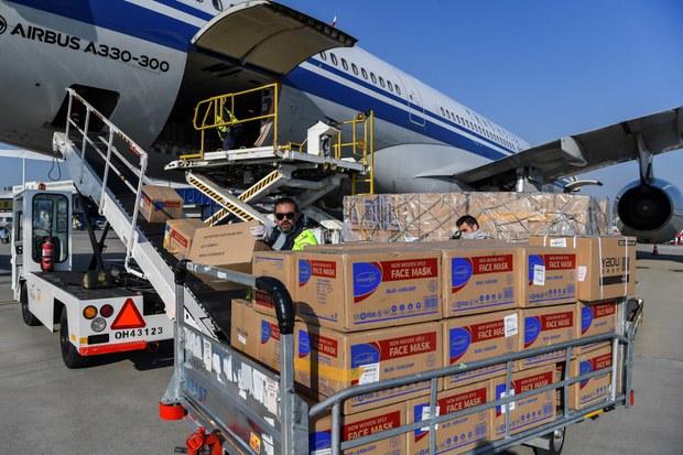 200326-GR-CH-aid-shipment-1000.jpg