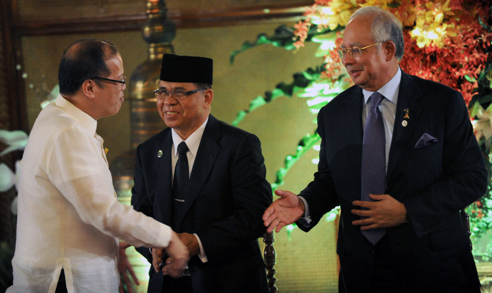 Malaysias Pm Urges Mindanao Rebels To Reject Radicalism Embrace Peace