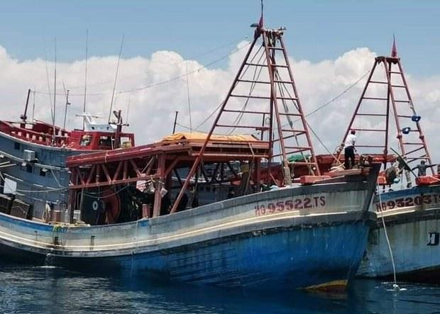 200817-MY-VN-boat-620.jpg