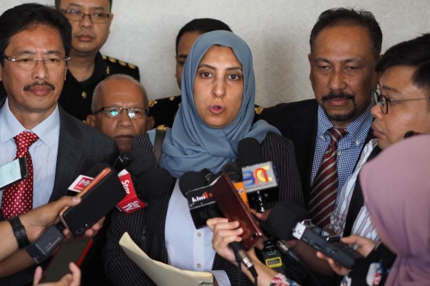 Malaysia Anti-Corruption Commission chief Latheefa Koya speaks to reporters at the Kuala Lumpur Sessions Court  June 26, 2019. [Hadi Azmi/BenarNews]