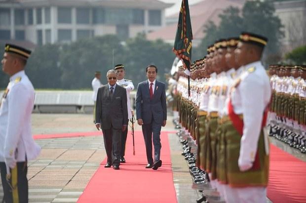 190809-MY-ID-Jokowi-visit1000.jpg