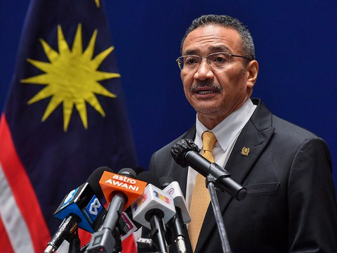 Malaysian Foreign Minister Hishammuddin Hussein speaks during a press conference in Putrajaya after attending a virtual meeting of the ASEAN Foreign Ministers, Nov. 10, 2020.