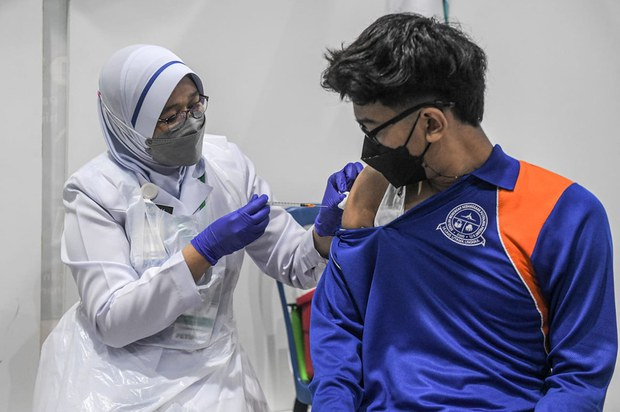 Malaysian PM: Country has Vaccinated 80 Percent of Adults against COVID-19
