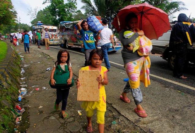 170528-PH-marawi-exodus-620