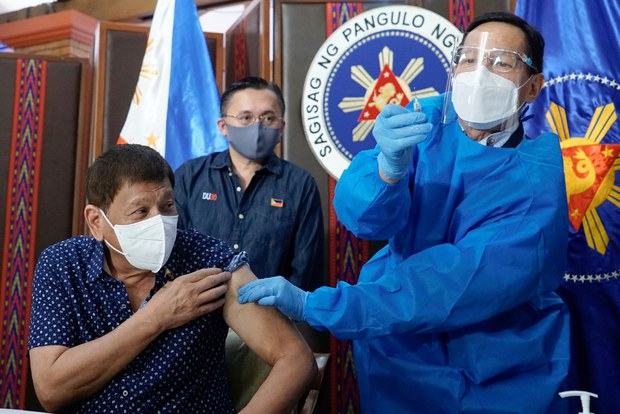 Philippine President Supports Health Commissioner over COVID Audit