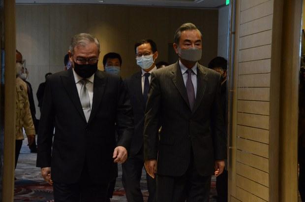 Chinese FM Wraps Up Aid Diplomacy Push through SE Asia
