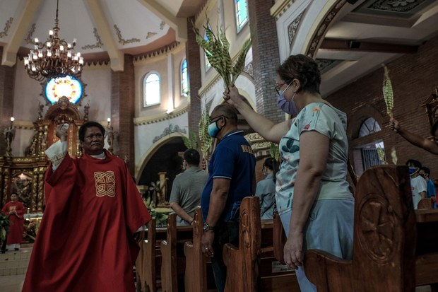 Philippine Govt, Church Clash over COVID-19 Quarantine Rules