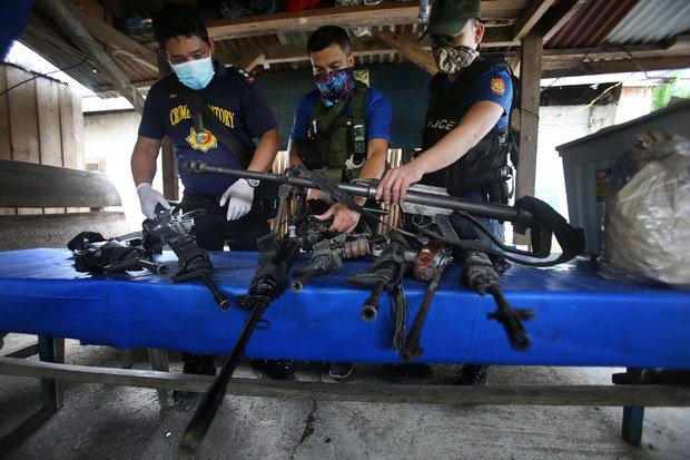 Policeman, 12 Suspected Drug Traffickers Killed in Shootout in Southern Philippines