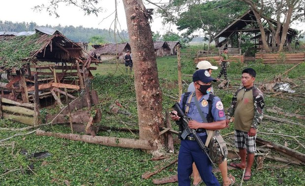 Blast from Improvised Bomb Injures 2 Soldiers in Southern Philippines