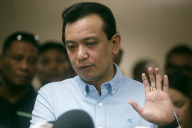 Philippine opposition Sen. Antonio Trillanes talks to reporters at the Senate building in Manila after President Rodrigo Duterte ordered his arrest in connection with past military rebellions, Sept. 6, 2018. [Luis Lawanag/BenarNews]