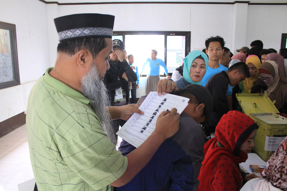 Residents of the Islamic city of Marawi cast their votes in a referendum on ratifying a law that would give Muslims autonomy in the southern Philippines, Jan. 21, 2019. [Richel V. Umel/BenarNews]