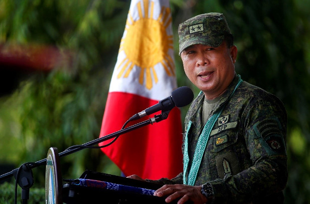 Philippine Maj. Gen. Cirilito  Sobejana addresses troops as he formally assumes leadership of the military's Western Mindanao Command at Camp Navarro in Zamboanga, southern Philippines, June 28, 2019. [Mark Navales/BenarNews]