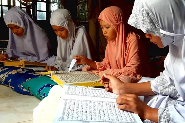 200424-TH-ramadan-girl-1000.jpg