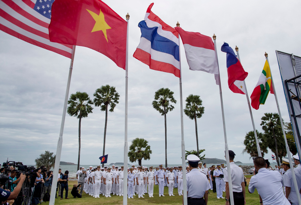 Officers of the U.S. Navy and maritime forces of the Association of Southeast Asian Nations (ASEAN) participate in the inauguration ceremony of the ASEAN-U.S. Maritime Exercise, in Sattahip, Thailand, Sep. 2, 2019. [AP]