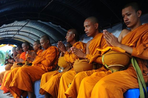 170920-TH-buddhist-monks-1000.jpg