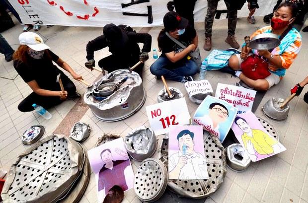 Hundreds Protest Detention of Thai Pro-Democracy Activists on Royal Defamation Allegations
