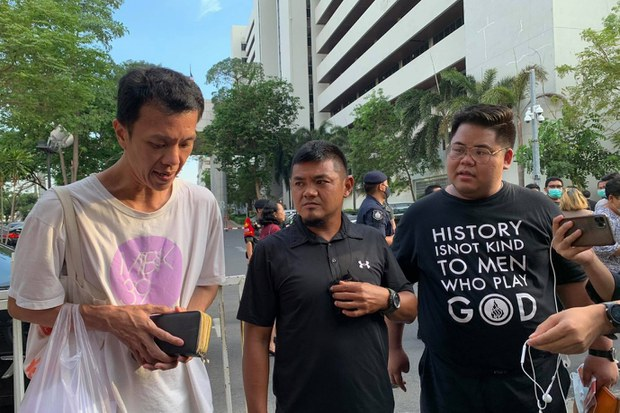 5 Thai Pro-Democracy Protesters Charged with Threatening Queen