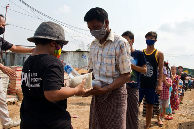 NGO: Thousands of Jobless Migrants in Thailand May Have Lost Legal Status