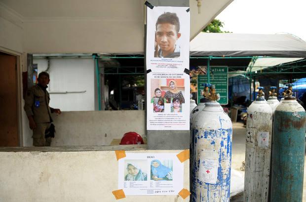 Foto anak yang dilaporkan hilang ditempel di pusat keramaian Kota Palu, Sulawesi Tengah, 16 Oktober 2018. (Keisyah Aprilia/BeritaBenar)