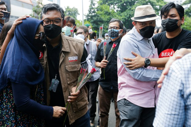 Keharuan Warnai Hari Terakhir 57 Pegawai KPK yang Diberhentikan