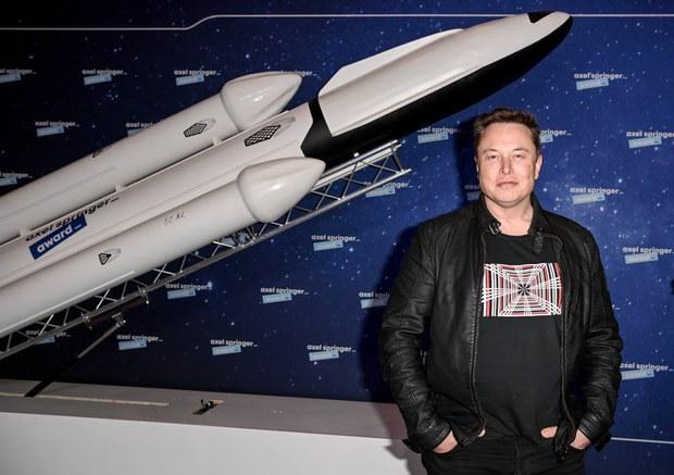 Indonesia Tawarkan Elon Musk Lahan untuk Landasan Baru SpaceX