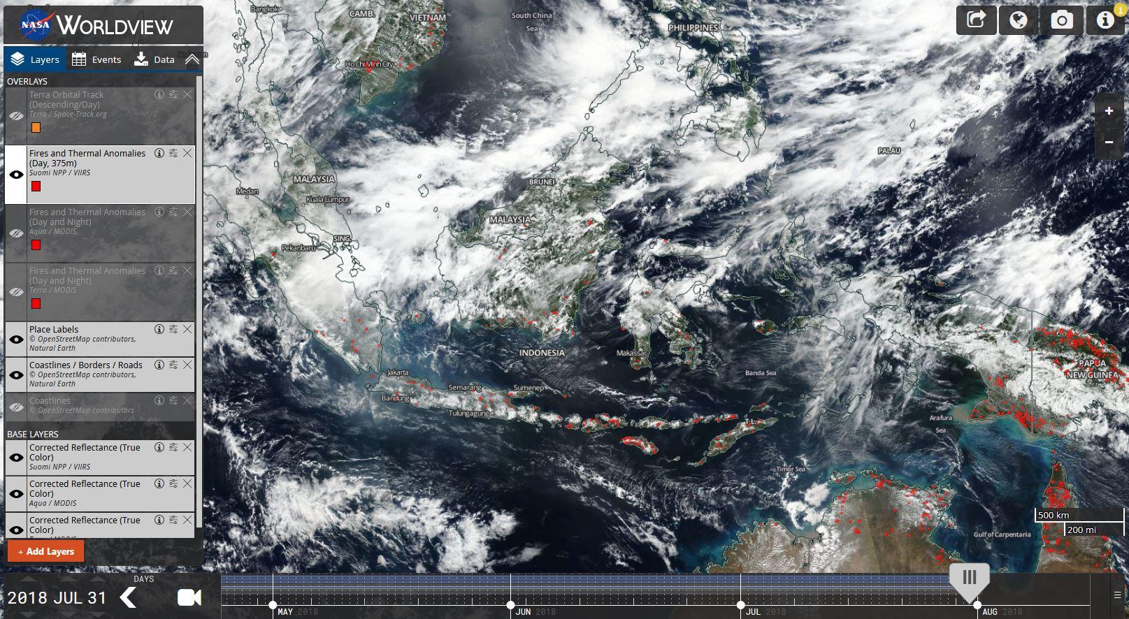 Citra satelit NASA yang meperlihatkan kebakaran dan titik panas di Indonesia dan di negara-negara tetangganya (Foto dok: NASA Worldview)