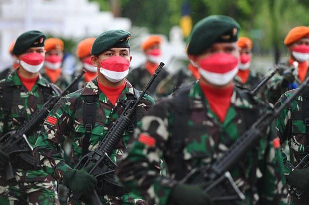 Jokowi Resmikan 3.103 Warga Sipil Jadi Tentara Cadangan