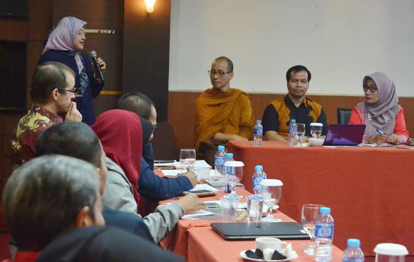 Suasana diskusi yang digelar Palang Merah Internasional (ICRC) dan Fakultas Ilmu Sosial dan Politik Universitas Tanjungpura di Pontianak, Kalimantan Barat, 16 November 2017. (Severianus Endi/BeritaBenar)