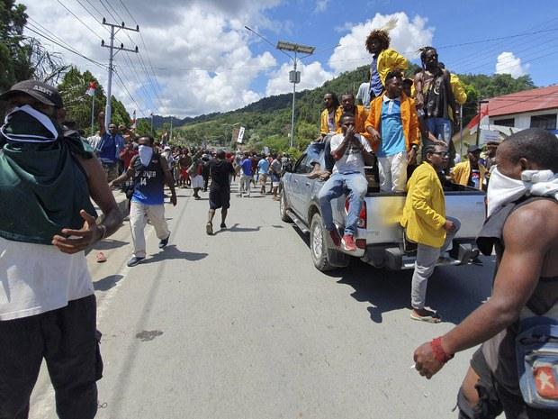 201002_ID_papua_1000.jpg
