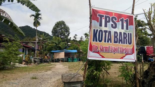 Tiga jam setelah TPS dijadualkan dibuka, surat suara belum sampai di sejumlah wilayah di Jayapura, Papua, 17 April 2019. (Jean Busay/BeritaBenar)